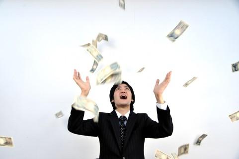 借金苦の中、100万円渡されて好きに使ってもいいと言われたら?