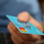 公共料金をクレジットカード払いにしたら年2000円以上も得をする?ブラックでも?